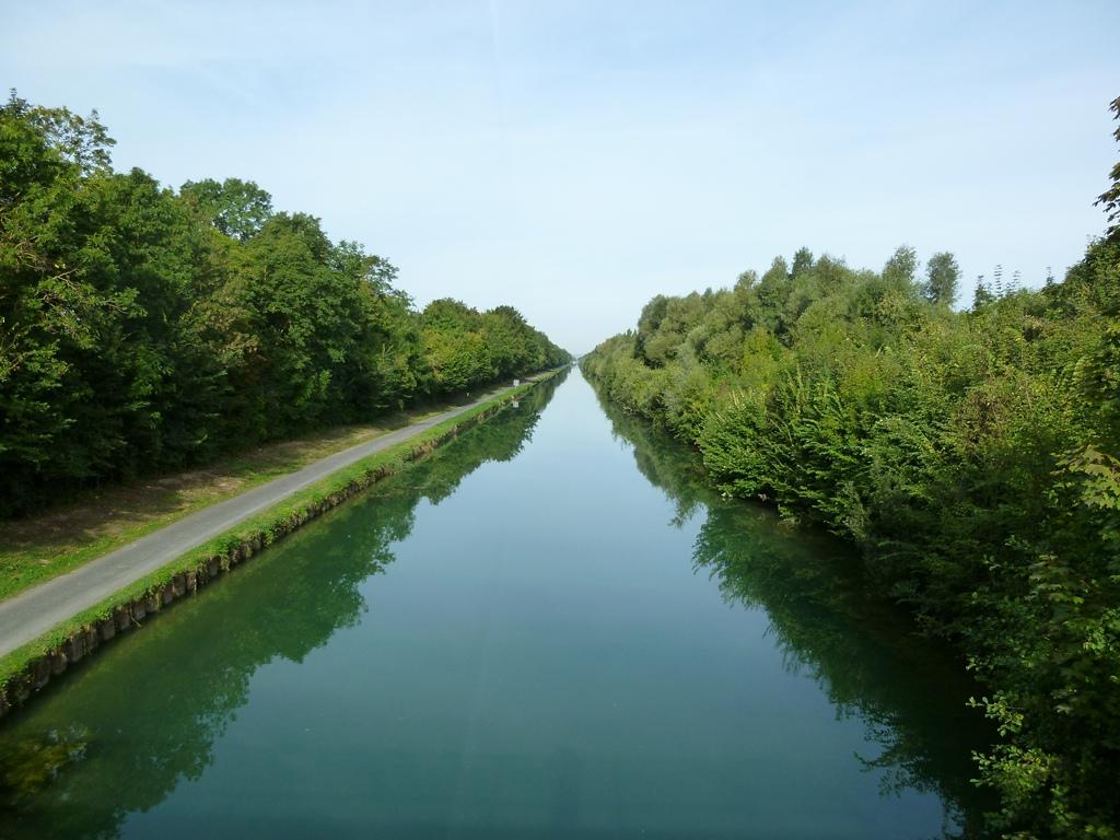 Canal l\'Aisne
