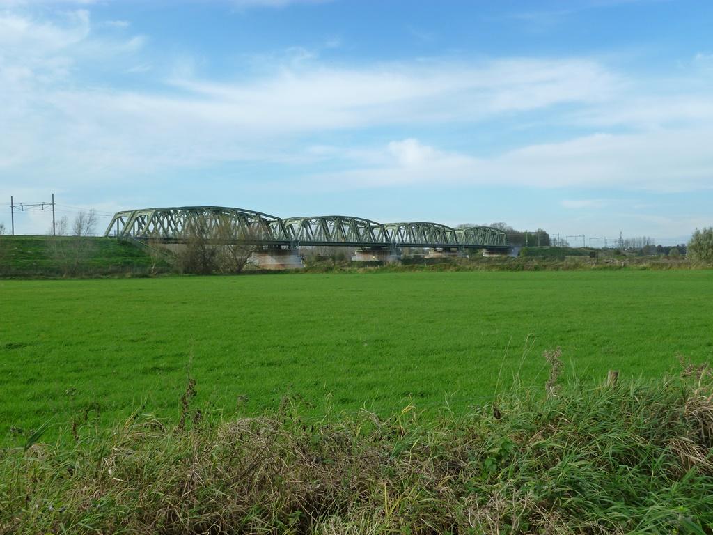 De spoorbrug bij Roermond