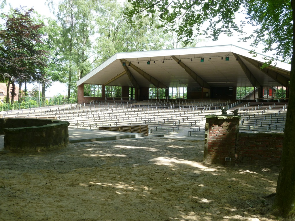 Openluchttheater in Hertme